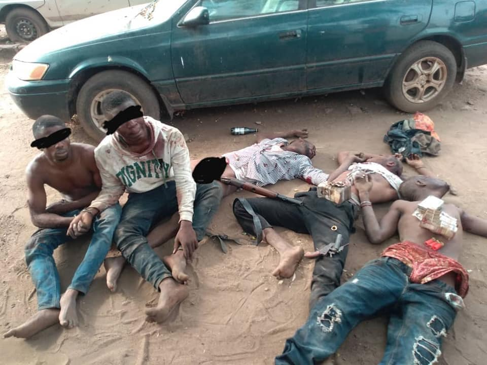 3 Armed Robbers Shot Dead, N900K Regained, Two Detained In Anambra after Gun fight (Photo)