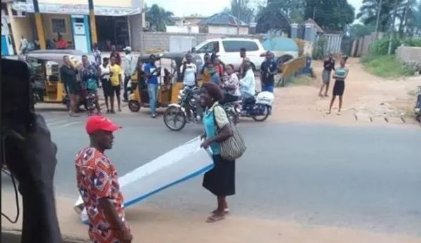 To Celebrate Fathers' Day, Nigerian Woman Gives Coffin To Her Husband In Anambra