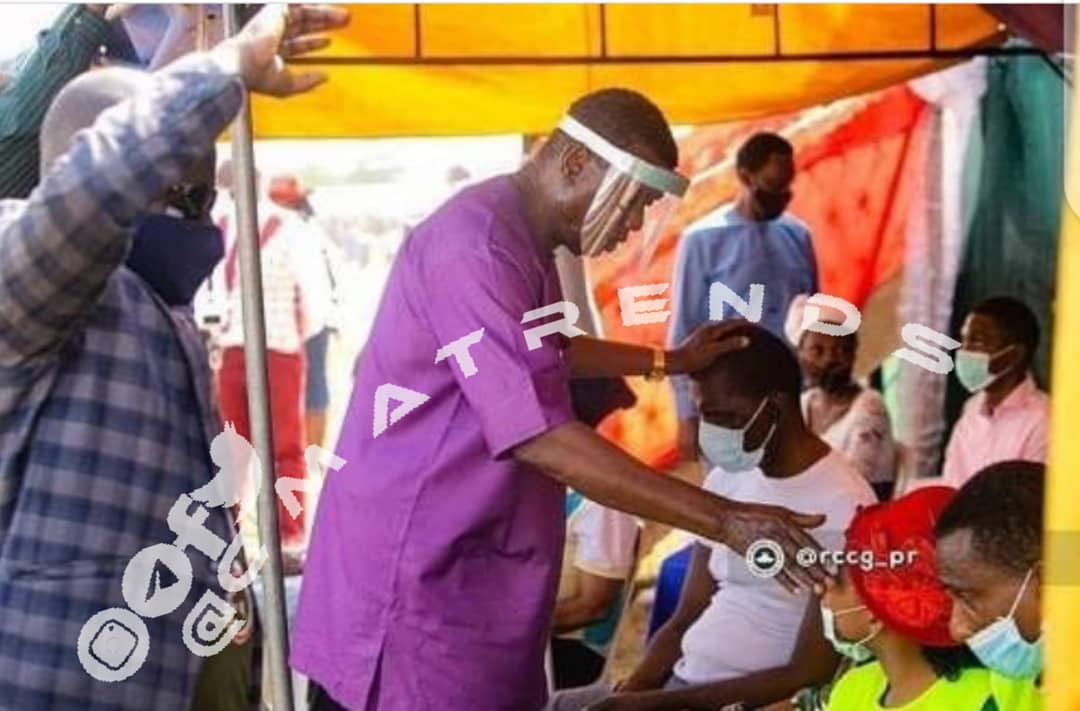 "Pastor Adeboye spotted laying hands on the sick, says; ""covik one nine"" virus can not stop him from laying hands on the sick"