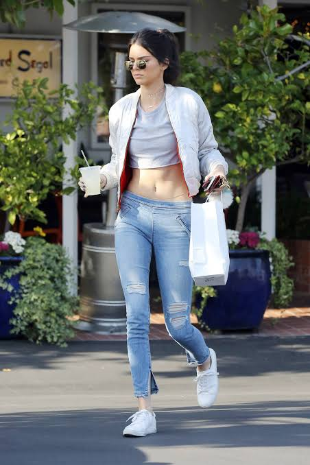 Kendall Jenner moves out of her house over insecurity issue.