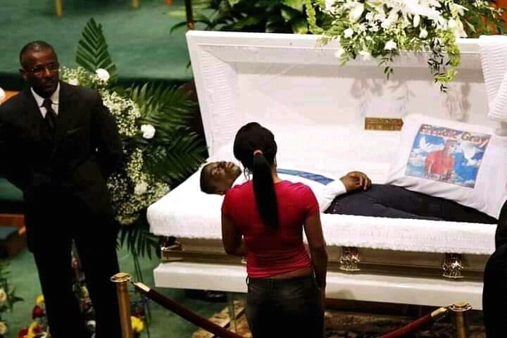 Touching Pictures From The Burial Of Pastor Dare Adeboye