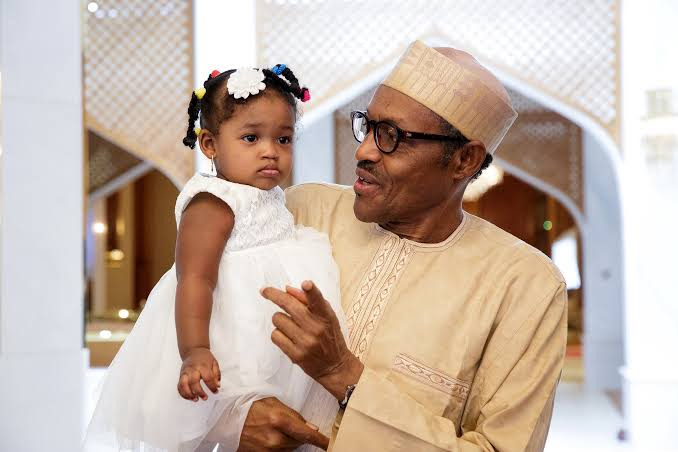 These Pictures Show That Buhari Has Soft Spot For Little Ones