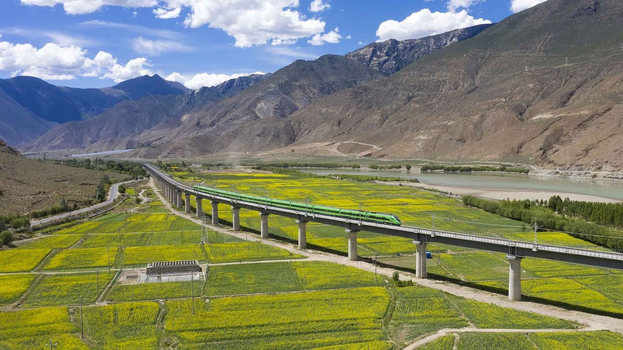 Tibet already has a high-speed line (so high that extra oxygen is needed)