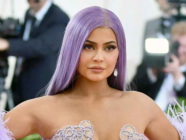 Kylie Jenner Biography: Son, Husband, Age, Siblings, Daughter, Net Worth, Dating, Cosmetics, Wiki, Height