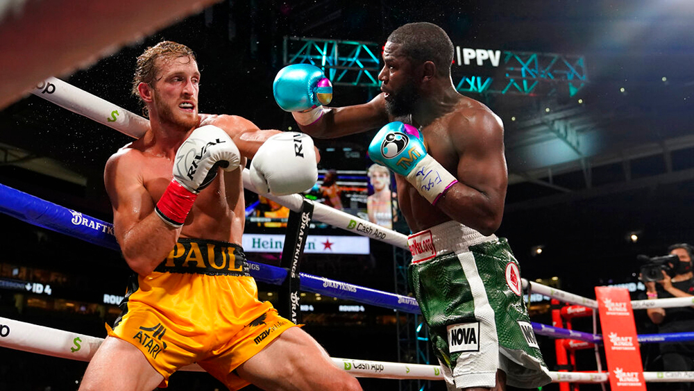 Logan Paul Goes All Eight Rounds Against Floyd Mayweather