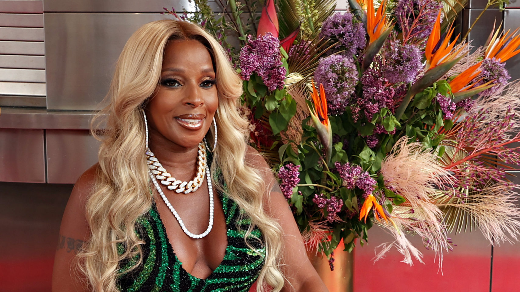 Mary J Blige inducted into the Apollo Theater Walk of Fame