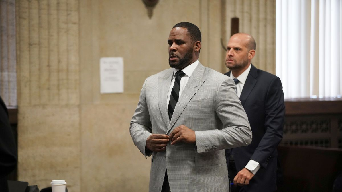 R. Kelly is changing half of his legal team ahead of his trial