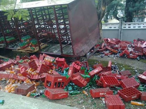 Tension As Police Protect Coca-Cola Truck After It Crushes 3 People To Death In Ibadan
