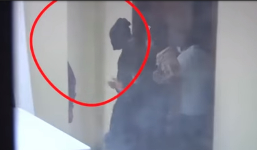 How DSS Took Nnamdi Kanu To Court With A Hood Covering His Face (Video)