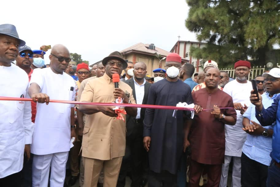 Ikpeazu Vows To Complete Osisioma Flyover, Eziukwu, Others Soon