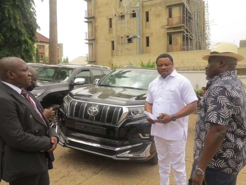 Governor Ayade Gifts Toyota Land Cruiser SUVs To Reps Who Decamped To APC