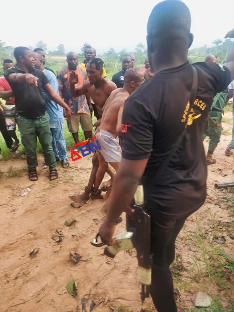 Suspected Robbers Escape Lynching In Imo After Looting Popular Market