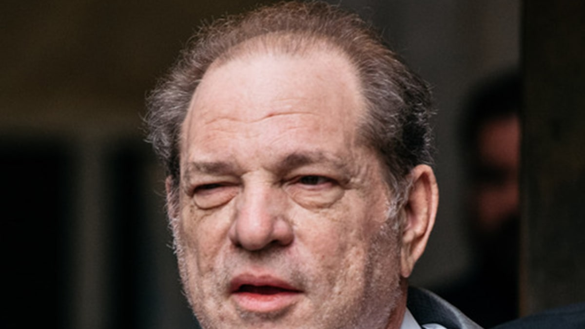 Harvey Weinstein En Route to Los Angeles for Extradition Hearing