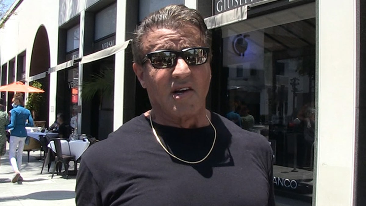 """Sylvester Stallone Says Conor McGregor Would Be """"Foolish"""" To Turn Down Jake Paul Fight"""