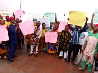 Community In Battle Of Cousins Over Igwe Stool Demands Release Of Detained Monarch