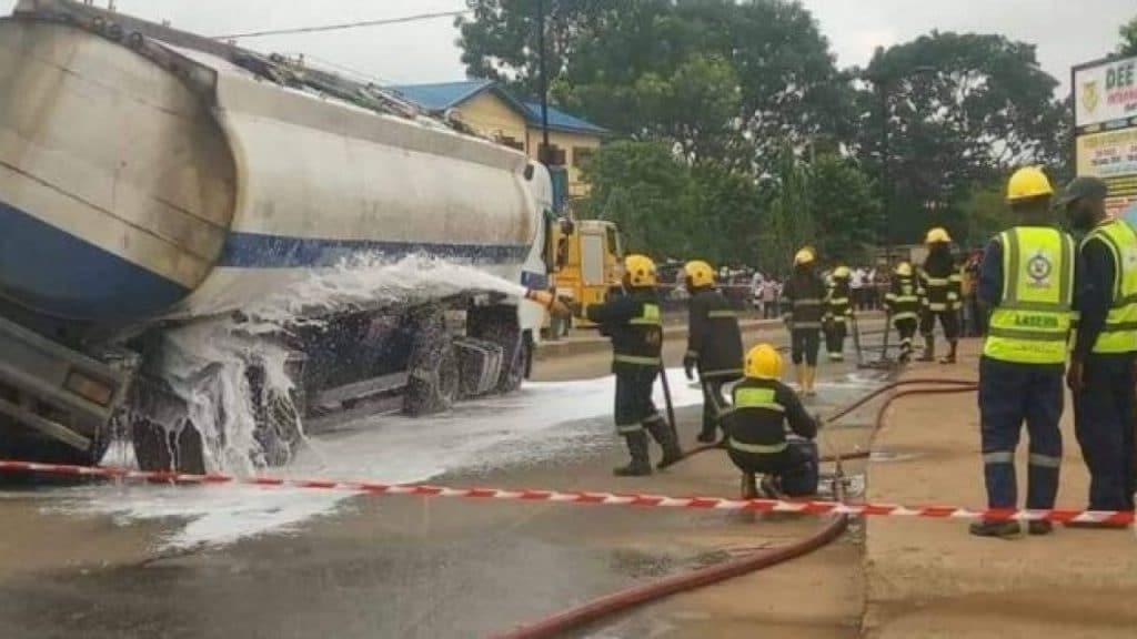Commotion As Oil Tanker Crashes Into Two Trucks After The Brake Failed In Lagos
