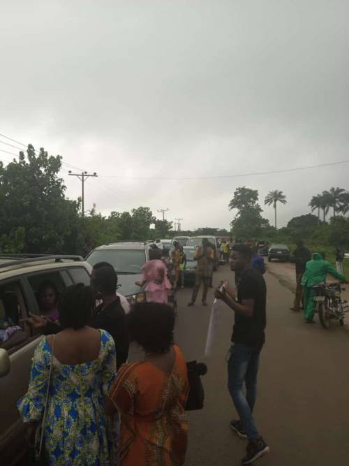 Ondo Youths Protest Against Bad Roads, Block Major Highway