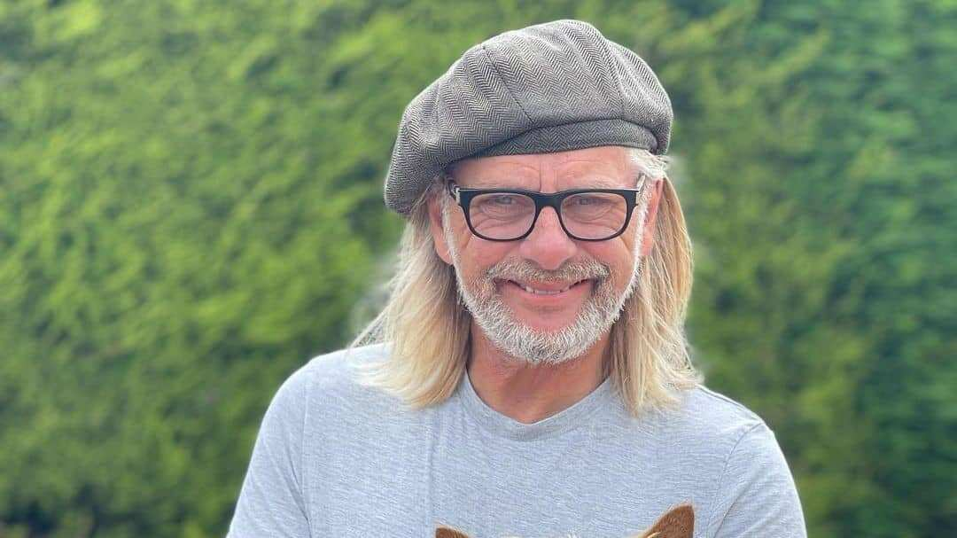 Henry Cole (TV Presenter) Biography, Age, Wife, TV Shows, Net worth » CmaTrends