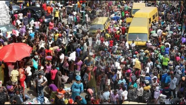 Air Pollution Now Shortens The Lives Of Nigerians By Over Three Years – Report Reveals