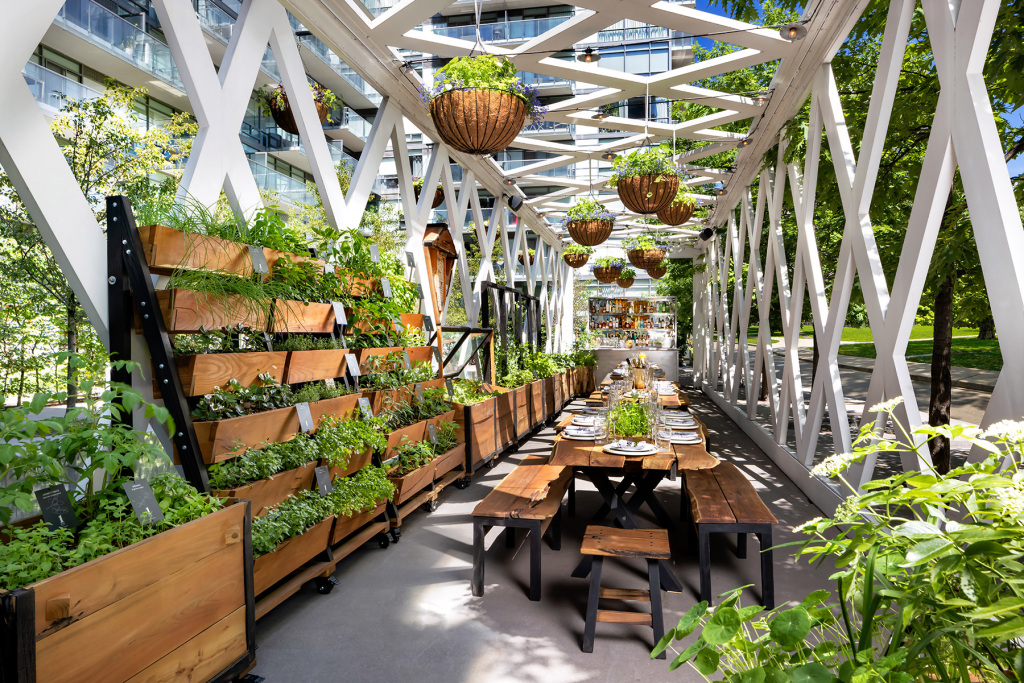 Toronto Festival sees new restaurants and hotels ready for guests