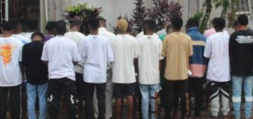 Suspected Yahoo Boys Arrested Weeks After They Threw Money At Residents In Benin (Photos)