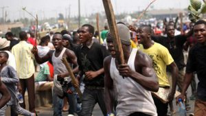 Mob Lynches 3 Suspected POS Robbers In Imo